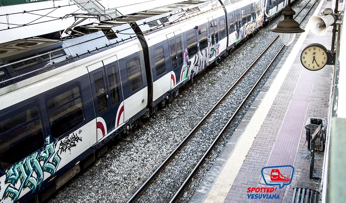 Fotografia Circumvesuviana treno nuovo- spotted vesuviana